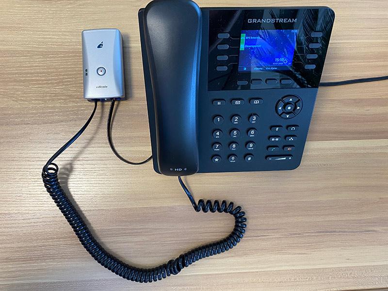 Aansluiten op telefoonhoorn